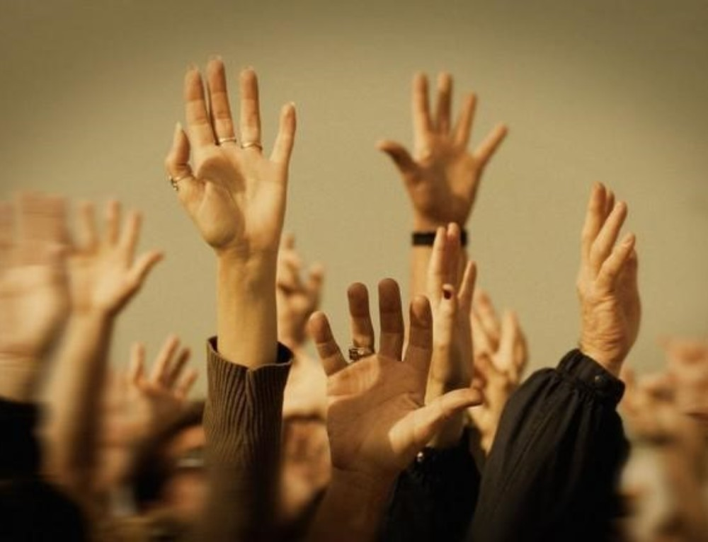 """RAISE YOUR HANDS IF YOU ARE ALIVE"" Fourth Common Mistake Amateur Safety Speakers Make"